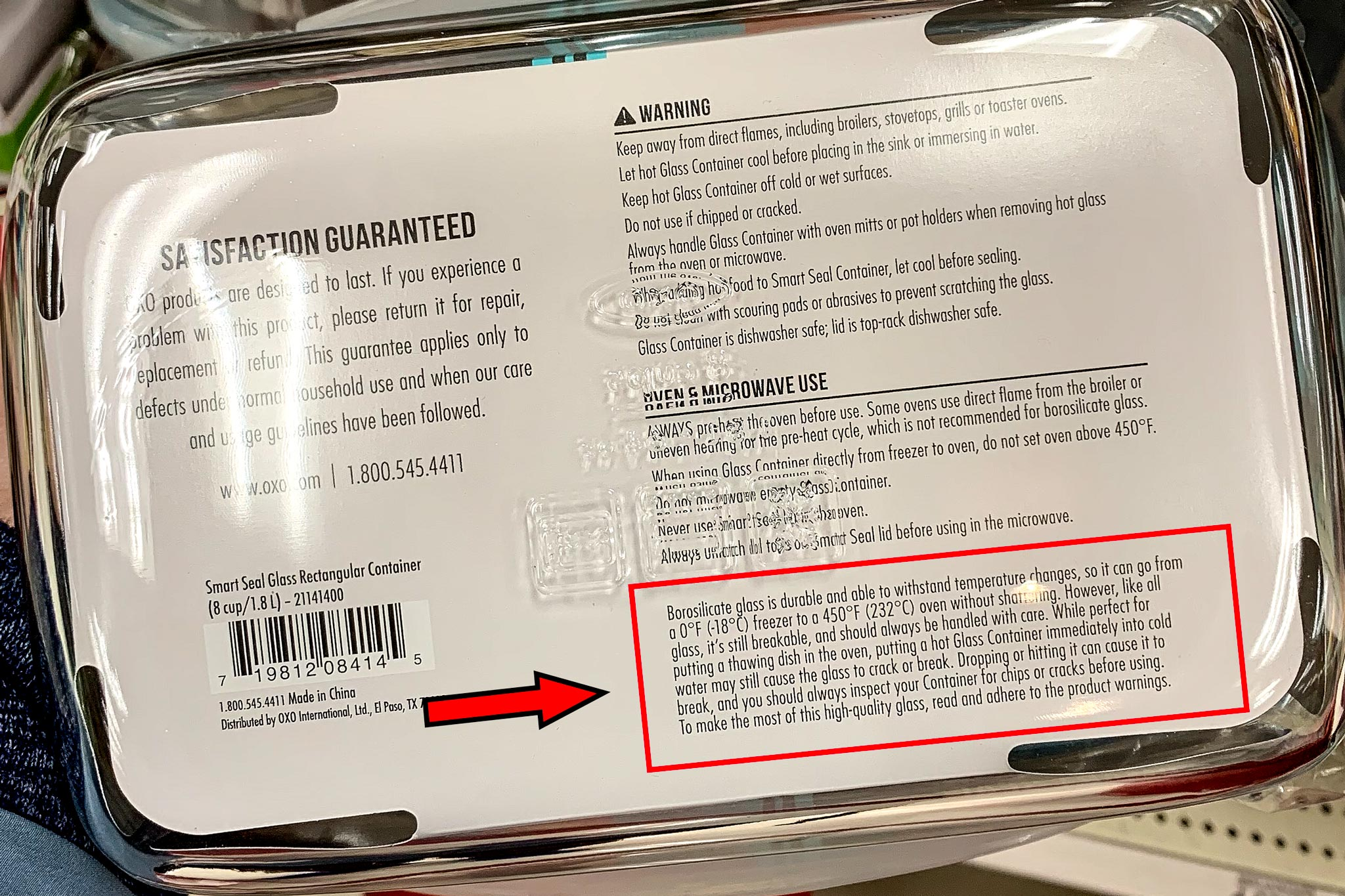 Notice about borosilicate glass on the label of a meal prep container.
